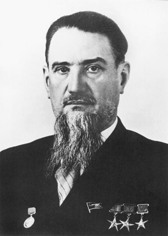 igor-vasilyevich-kurchatov